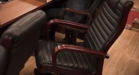 кресло депутата.jpg