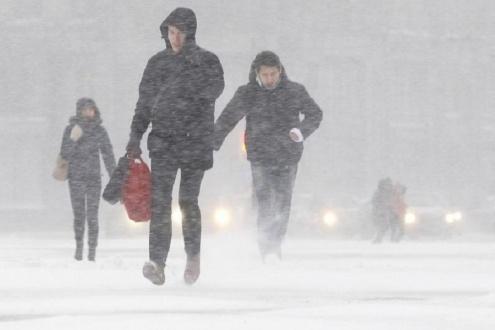 sniegas_sankt_peterburge_50bda346ea5ba.jpg
