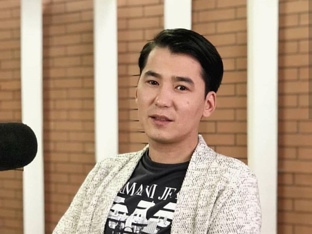 фото певцов киргизии людях, своими талантами