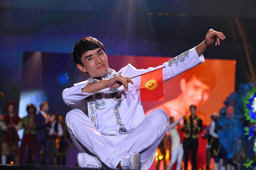 фото певцов киргизии тебе