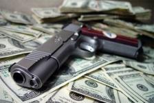 пистолет и деньги.jpg
