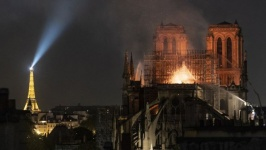 пожар собор париж.jpg