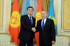 Жээнбеков назарбаев.jpg