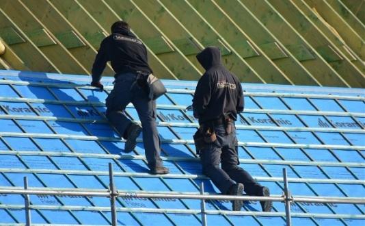 крыша рабочие.jpg