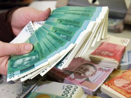 деньги много.jpg