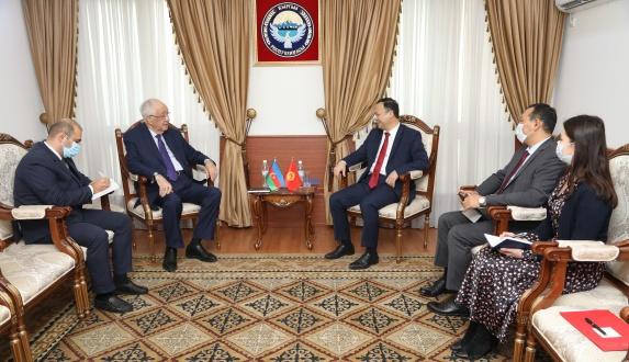 посол Азербайджана.jpg
