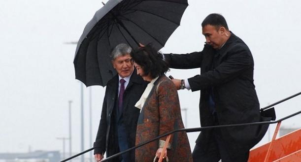 дамир мусакеев зонт атамбаев.jpg